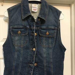 MET Jean Sherpa vest. Made in Italy.